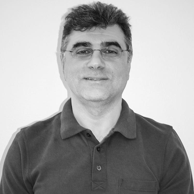 Dr. Akbar Emdadi